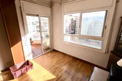 Apartment with terrace in a prestigious area of Barcelona